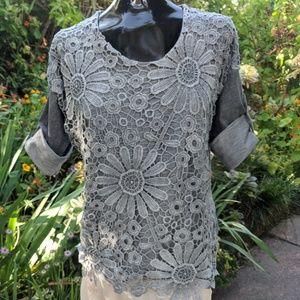 Gray Italian Lace T Shirt sz M